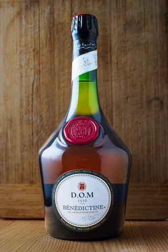 Résultat de l'application de la troisième courbe de contraste uniquement sur la bouteille pour la faire mieux ressortir