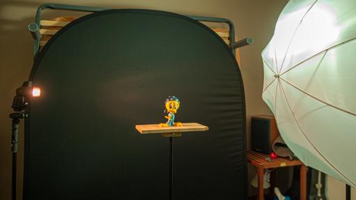 Exemple de setup de flashes déporté avec gélatines et parapluie d'un coté
