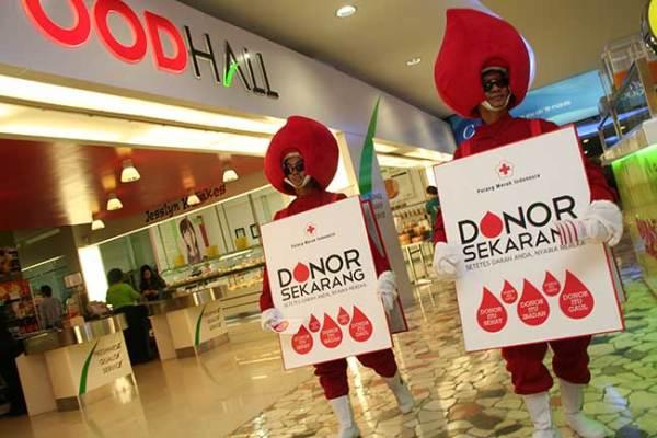 PMI terus mengampanyekan donor darah sebagai bagian dari gaya hidup (lifestyle). Setiap tahunnya, PMI menargetkan hingga 4,5 juta kantong darah sesuai dengan kebutuhan darah nasional