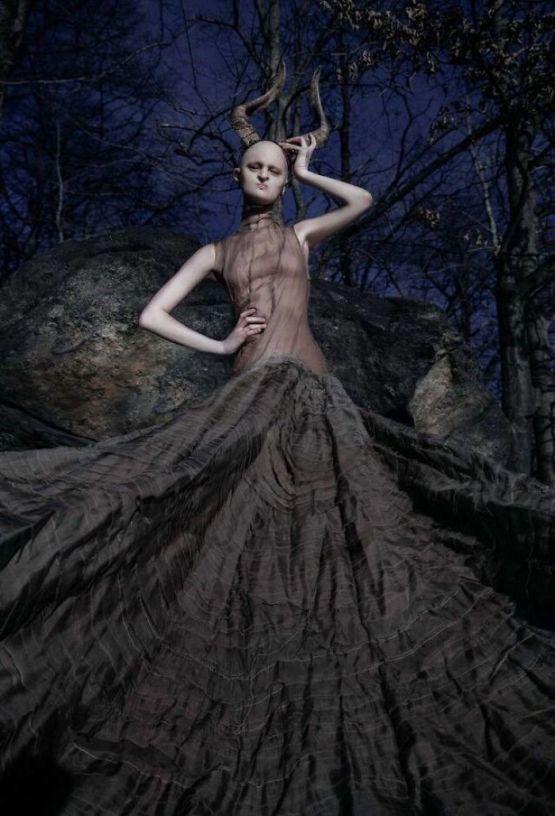 Meet-Melanie-Gaydos-the-model-who-broke-all-fashion-stereotypes-59350b820a4a8__700