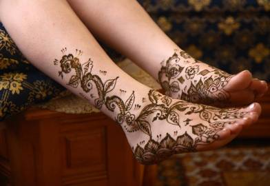 temporary henna tattoos