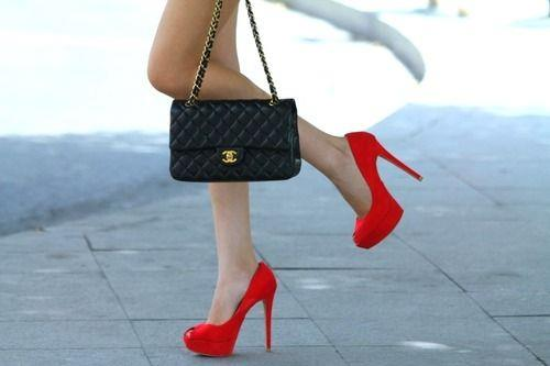 List of Top 10 Expensive Handbag Brands in World