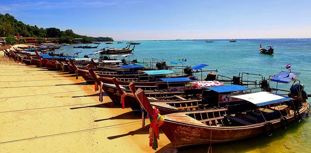 koh phi phi solo female travel