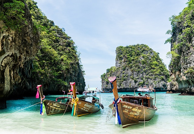 solo female travel in thailand