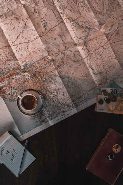 Looking at a map is like having a vision