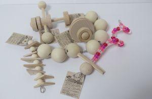 BIRDMOREオリジナルおもちゃ・無着色・薬品不使用の木材とステンレス製