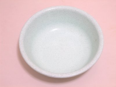 ことり隊のタマゴの孵化には洗面器などの水がタップリのものがオススメ