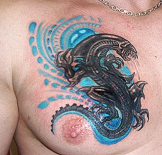 alien-tatoos-on-chest