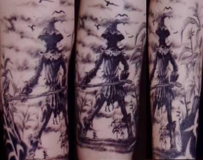 162_blackngrey_scarecrow