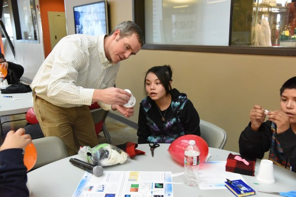 Stem Day Middle Schoolers Thinking Future - Inl