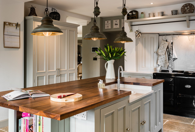 A Country Kitchen Steers Clear of Cutesiness (15 photos)