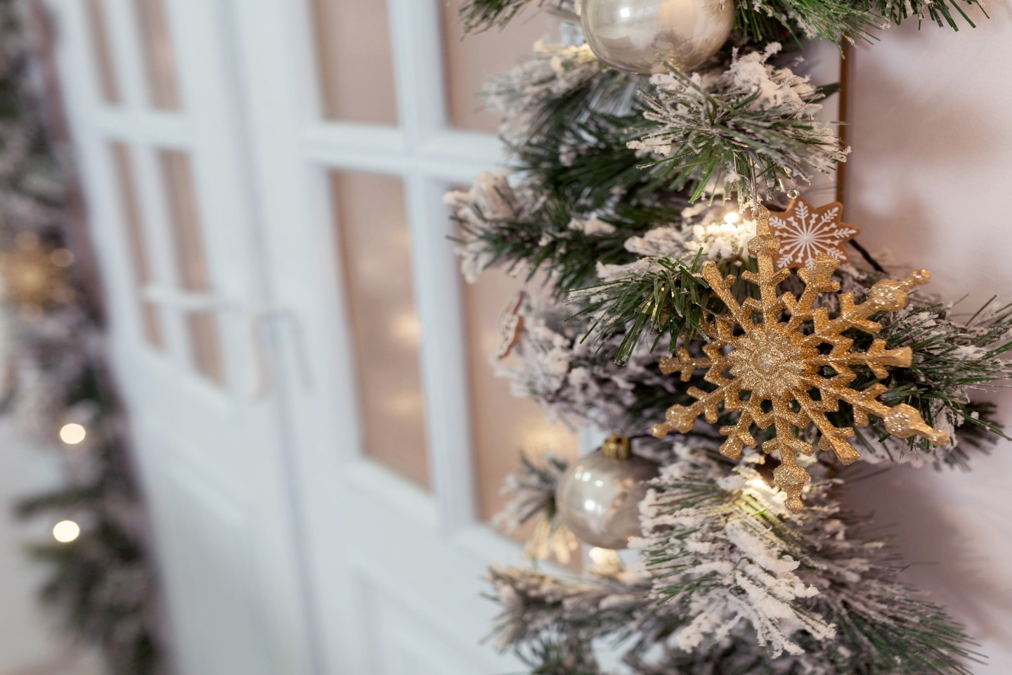 Tips on Christmas Decor Home Staging