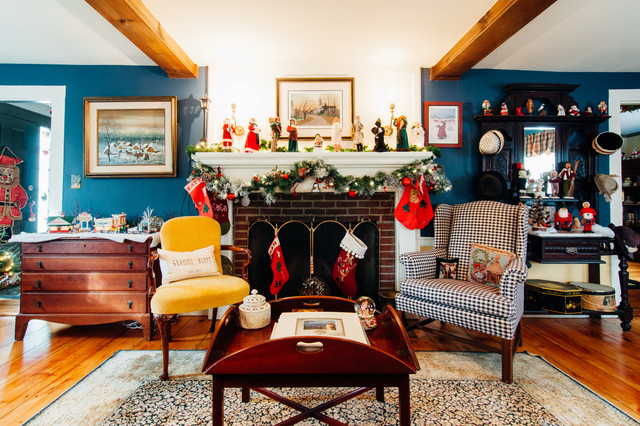 My Houzz: Traditional Christmas Charm in an Updated 1840s Home (31 photos)