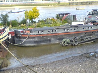 barge3