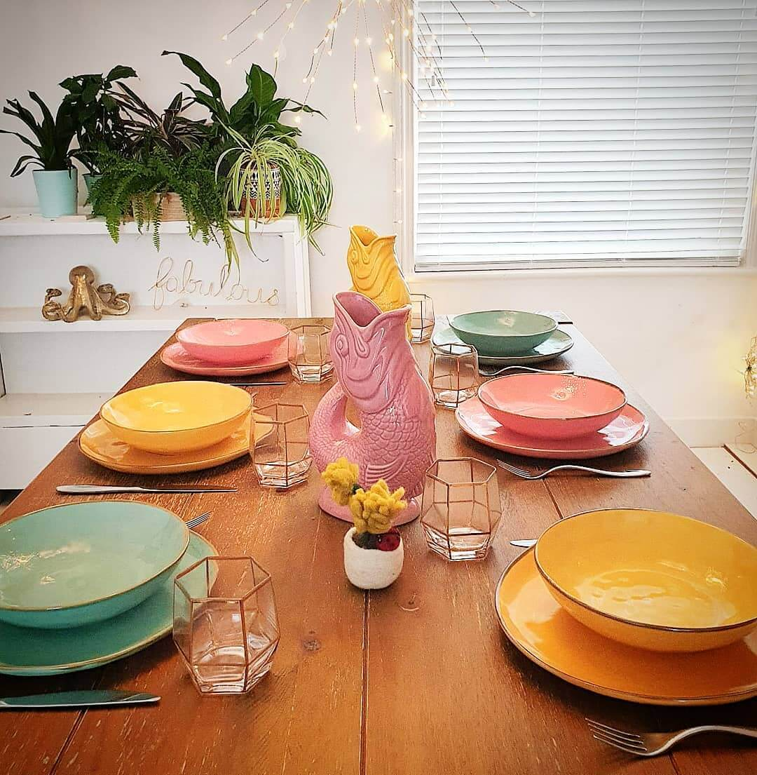 💚 Absolutely love this new Italian designed tableware range! The colours are just gorgeous and there are more at www.inlehome.co.uk. Check them out