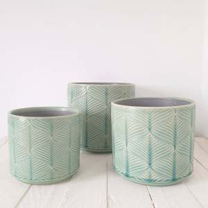 Wavy Pot Cover Mint by Gisela Graham