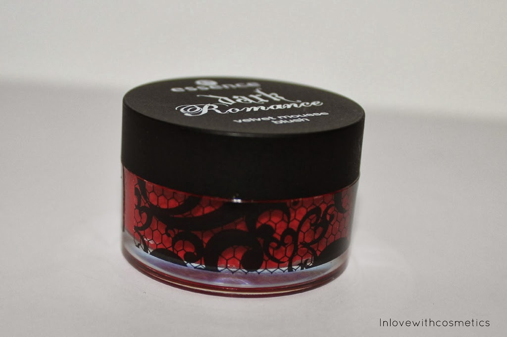 Essence Limited LE _Dark_Romance_Velvet_Mousse_Blush