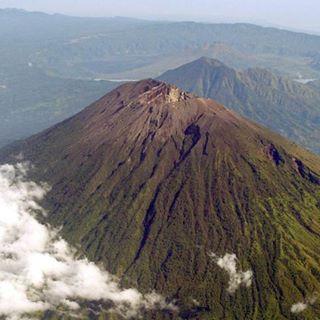 Морщинки вулкана - Гунунг Батур)Volcano Wrinkles - Gunung BaturGoogle map- https://goo.gl/maps/5aukyQJmQPA2#surfing #bali #кута #бали #нусадуа #джимбаран #nusadua #uluwatu #убуд #ubud #jimbaran #nusaduabeach #nusaduabali #kudetabali #kuta #baliflowers #skygarden #legian #balangan #padang #seminyak #indonesia #индонезия #batur #batur #agung #агунг #серфинг #surfing #чангу #caangu