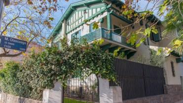 Casa Moyano (Emilio Civit y Olascoaga), donde funcionó el Consulado de Chile.