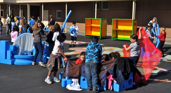 kids playing with Imagination Playground at Oak Knoll School