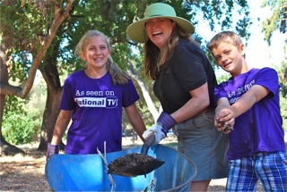 Kelly Ferguson and kids at Flood Park clean up