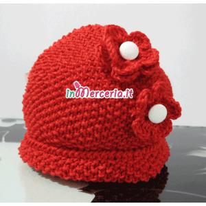Cappellino in cotone per neonato con fiori all'uncinetto