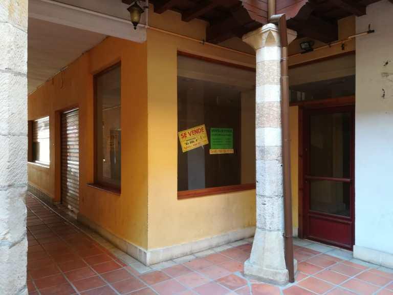 Local en Plaza Porticada