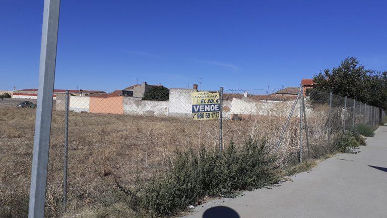 Solar en Crta. Zamora