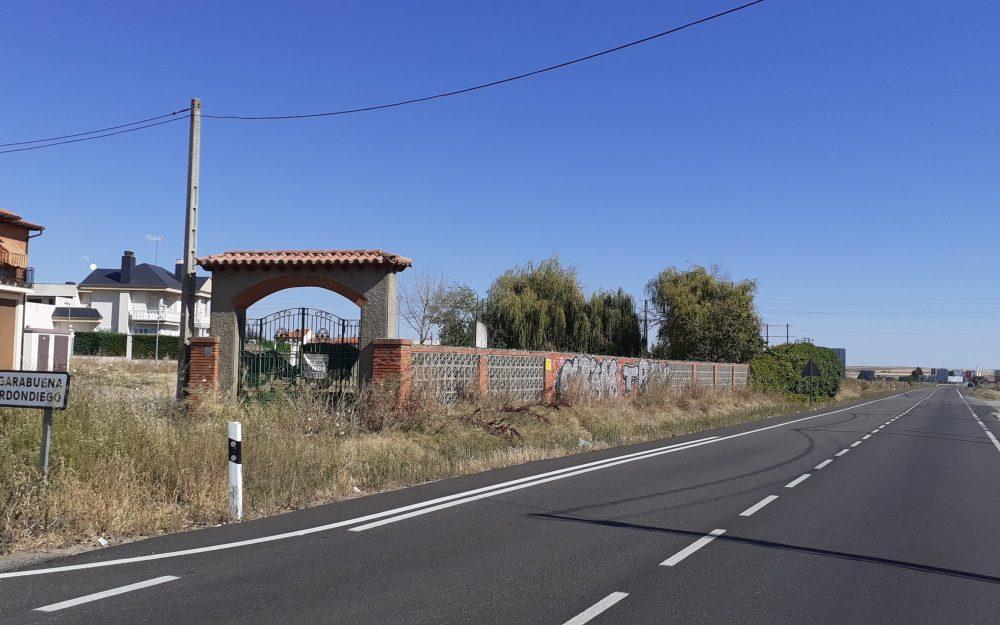 Solar en Crta. Medina de Rioseco