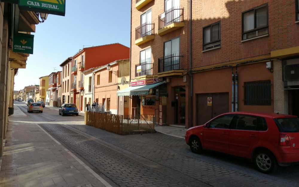 Local Calle Capuchinos Toro