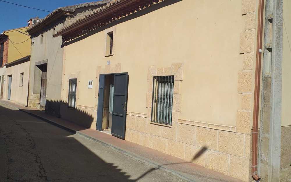 Casa en Calle Labradores  Villavendimio.