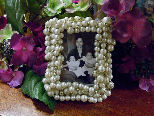Mothers Day gift ideas to make - pearl frame