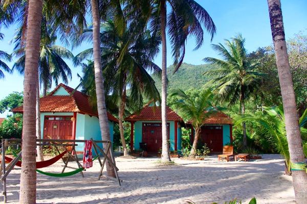 phu quoc intro beach bungalow