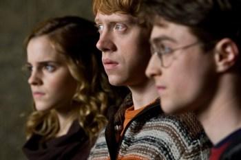「《哈利波特》原本打算讓殺掉哈利、妙麗、榮恩其中一人!」JK羅琳表示,早期草稿中有這 6 個設定... - 我們用電影寫日記