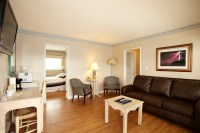 Two Bedroom Living Room at Inn at Sunset Cliffs