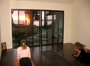 yoga-in-action_sunset