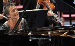 Maria João Pires, Solistin am Piano