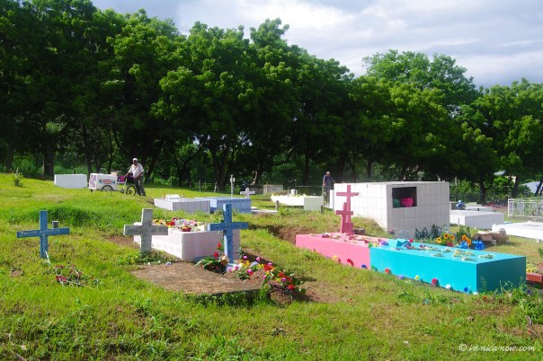 Ice Cream Vendor: Dia de Los Muertos, SJDS, Nicaragua