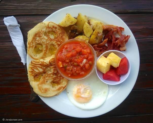 Henry's Breakfast: Iguana Bar, San Juan del Sur
