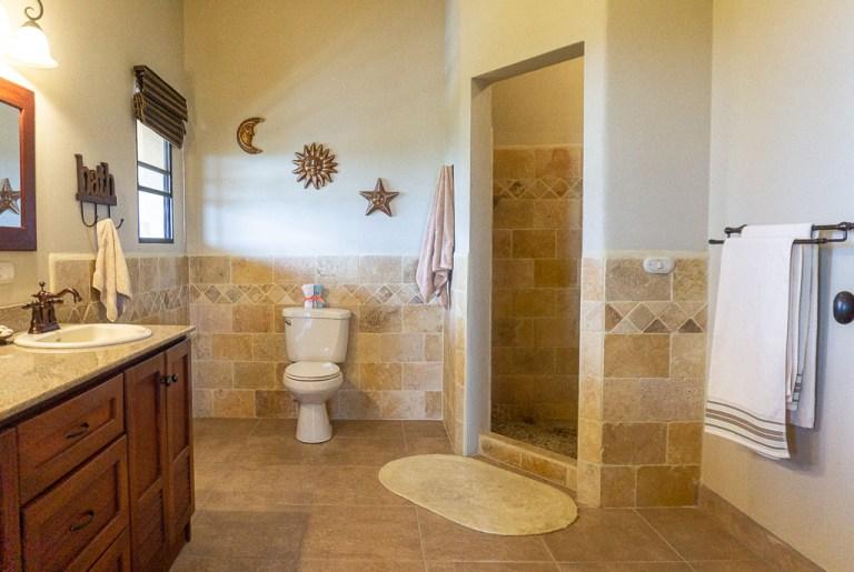 Master bathroom with walk-in shower: Casa Vista Mar, San Juan del Sur, Nicaragua