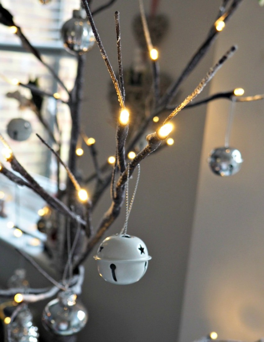 Can you believe all these decorations are from Poundland, find out more on their #CrackingValue