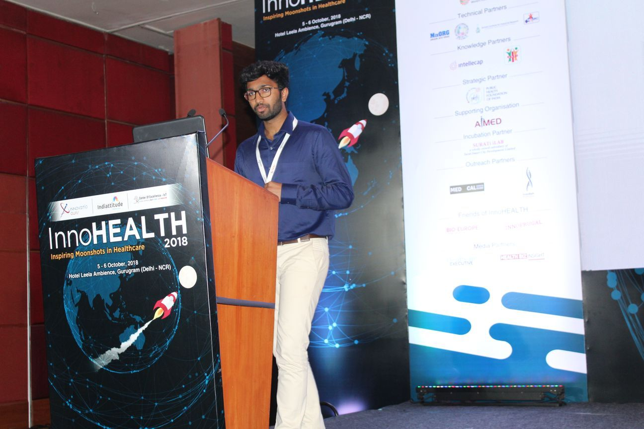 1.-Team-SAK-presents-their-innovation-on-remote-controlling-of-eletrical-appliance-for-the-elderly-in-the-Young-innovators-award-session-at-InnoHEALTH-2018