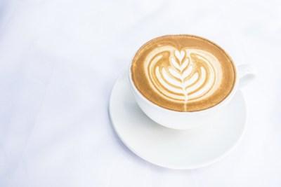 Kahvenin üzerindeki çizimler kürdan ile yapılmıştır.