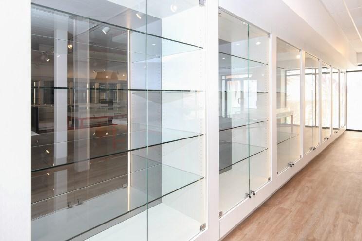 New Retail Construction - Perimeter Glass Display
