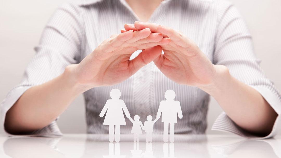 iStock 166295730 min - ¿EL TRABAJO O LA FAMILIA?