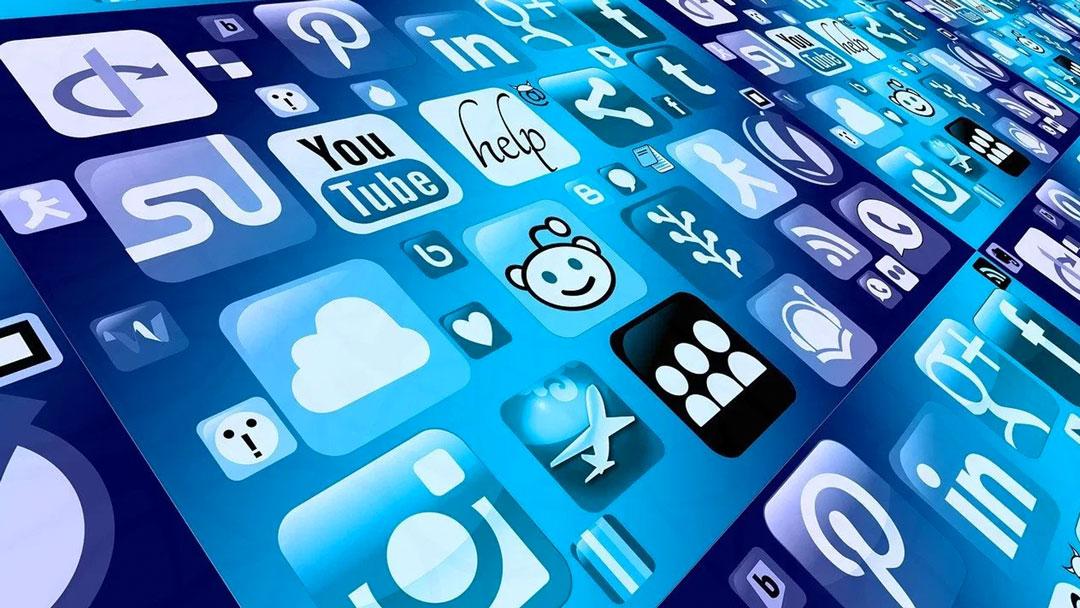 mobile phone smartphone app 1087845 - ¿EL TRABAJO O LA FAMILIA?