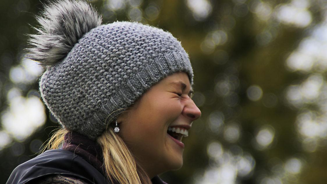 Recuerda algo alegre y sonríe e1552957540641 - 9 Claves para ser feliz