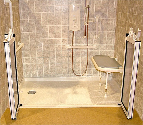 Handicap Bathrooms with Showers