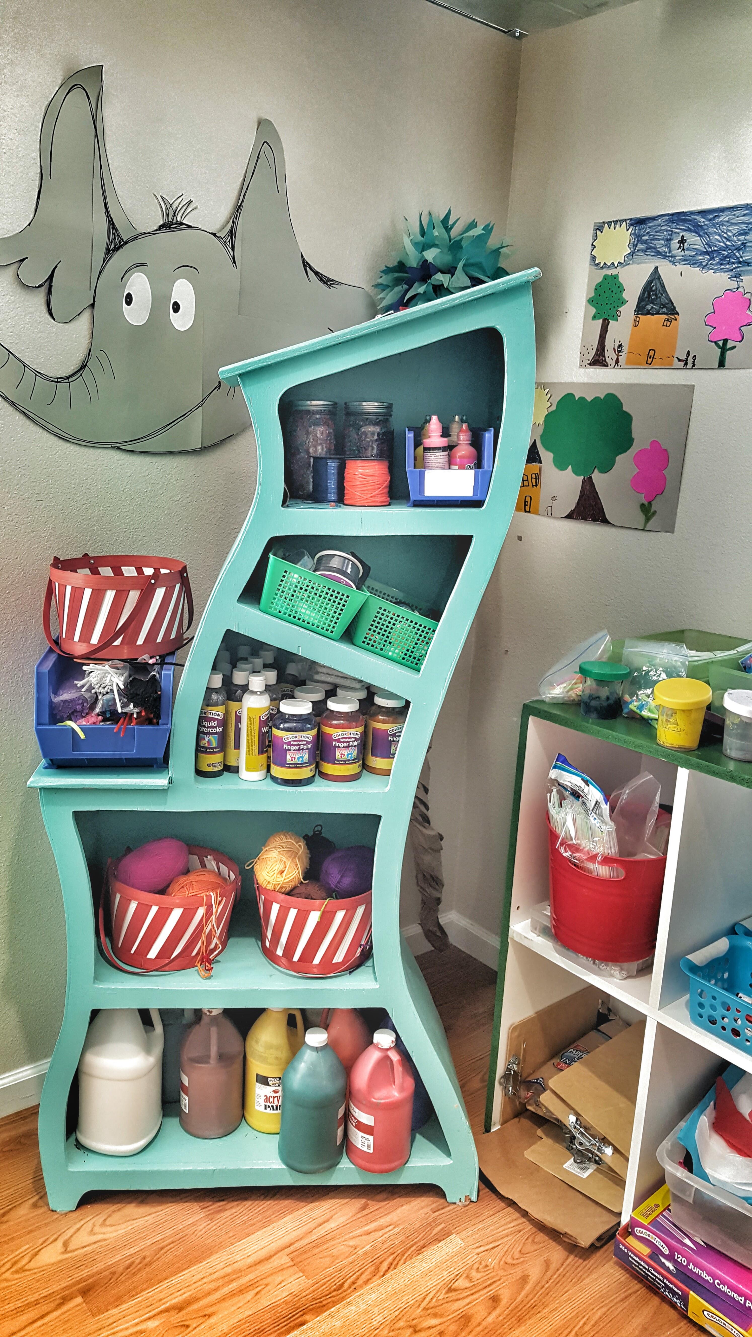IA-bookcase