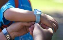 Guardian device turns app-users into child-trackers